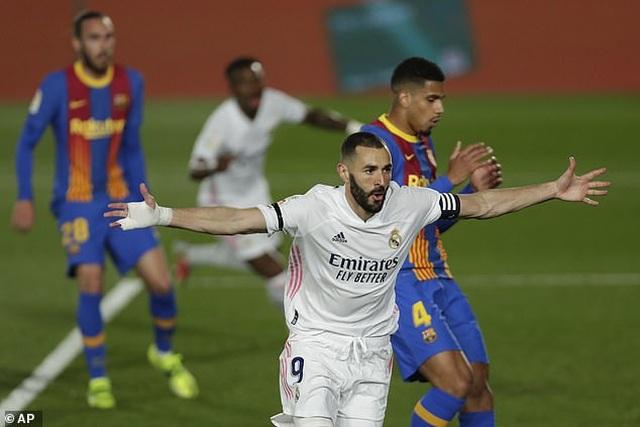 Worldcup888 news: HLV Koeman chỉ trích trọng tài, HLV Zidane lo lắng