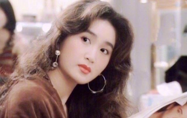 Phan Kim Liên Ôn Bích Hà khoe dáng nuột nà với áo tắm ở tuổi 55 - 7