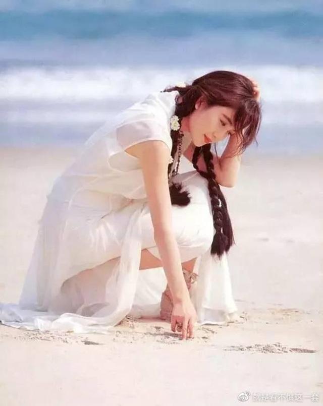 Phan Kim Liên Ôn Bích Hà khoe dáng nuột nà với áo tắm ở tuổi 55 - 6