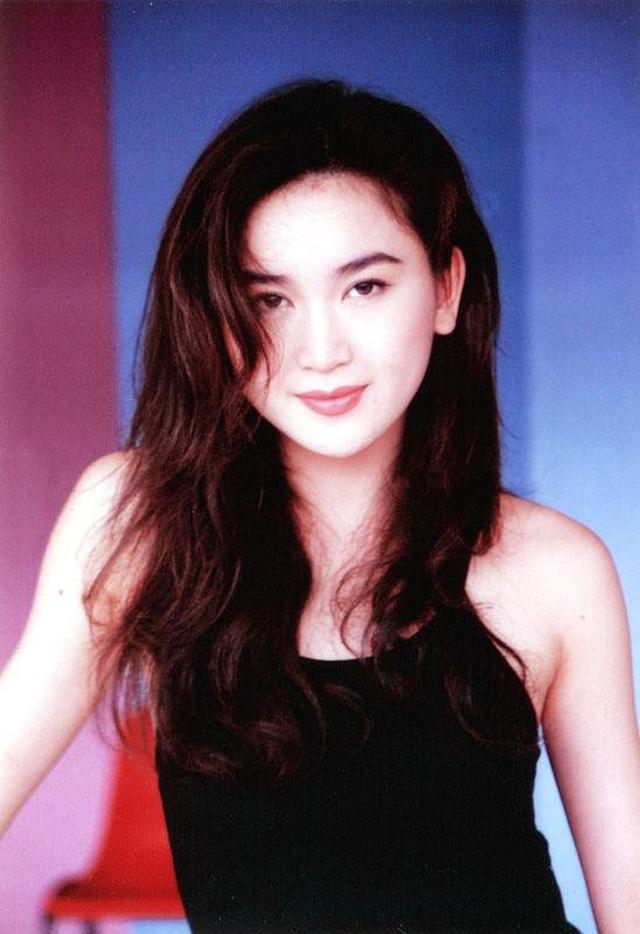Phan Kim Liên Ôn Bích Hà khoe dáng nuột nà với áo tắm ở tuổi 55 - 3