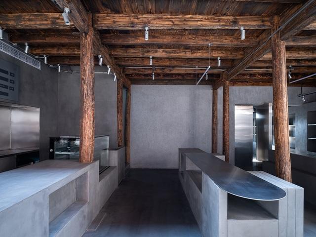 Quán cà phê tái sinh trong ngôi làng cổ hơn trăm tuổi - 2