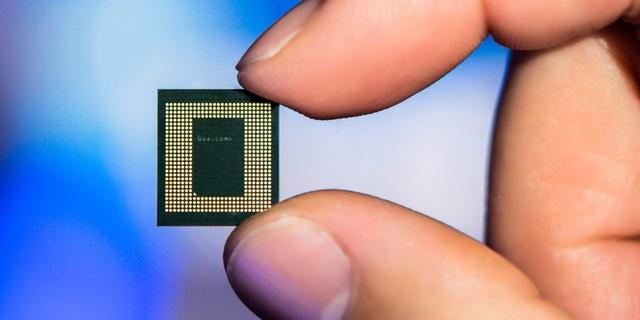 Vì sao một con chip tí hon lại đang khiến giới công nghệ toàn cầu lao đao? - 1
