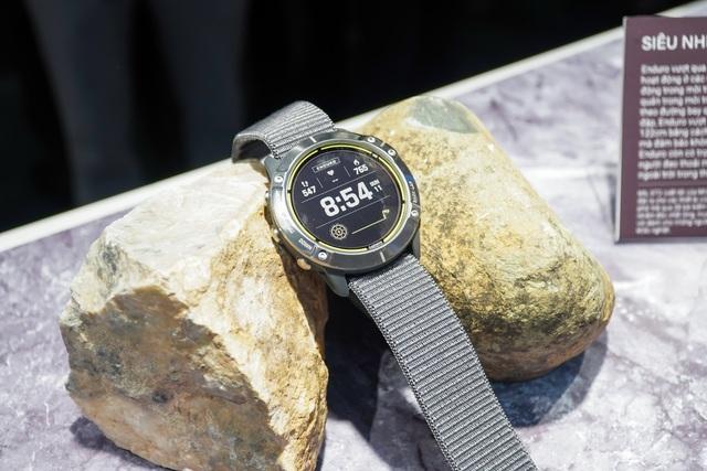 Smartwatch pin 65 ngày, giá 20 triệu đồng về Việt Nam - 3