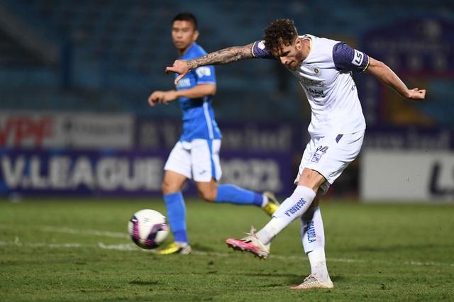 CLB Hà Nội 4-0 Than Quảng Ninh: Quang Hải rực sáng - 9