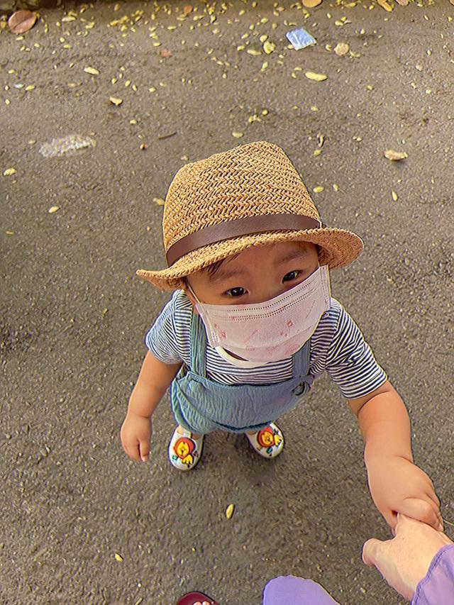 Hòa Minzy đăng ảnh cho con bú, chia sẻ bí quyết nuôi con bằng sữa mẹ - 4