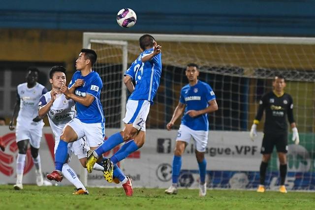 CLB Hà Nội 4-0 Than Quảng Ninh: Quang Hải rực sáng - 5