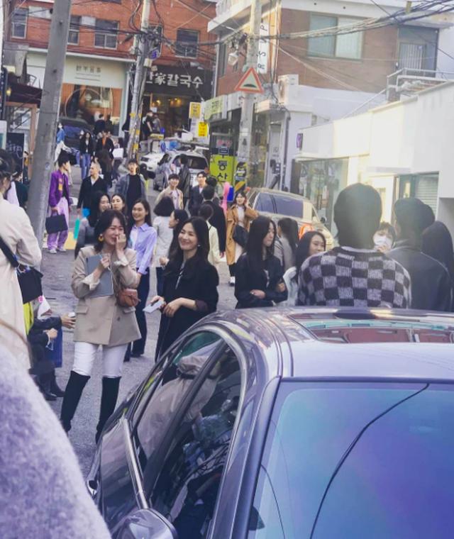 Song Hye Kyo đốn tim người hâm mộ với ảnh chụp trộm - 2