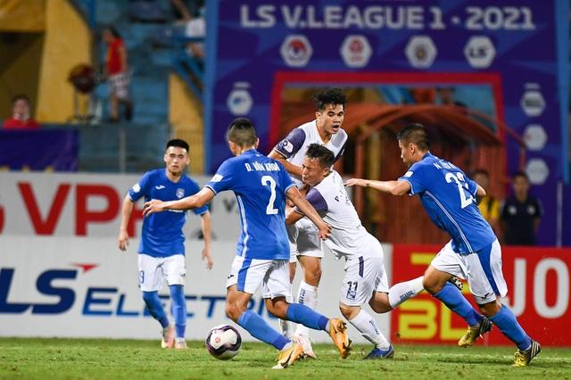 CLB Hà Nội 4-0 Than Quảng Ninh: Quang Hải rực sáng - 3
