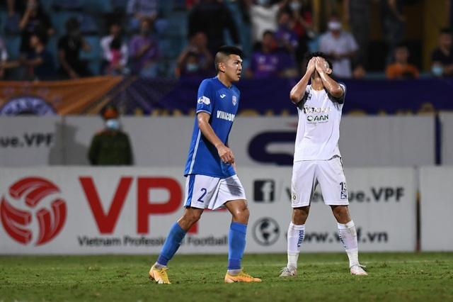 CLB Hà Nội 4-0 Than Quảng Ninh: Quang Hải rực sáng - 2