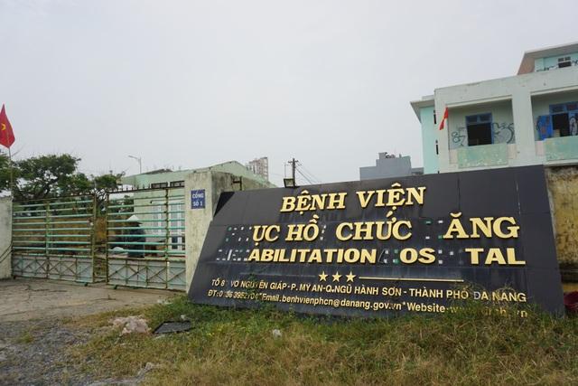 Cận cảnh bệnh viện bỏ hoang giữa khu đất vàng ven biển Đà Nẵng - 1