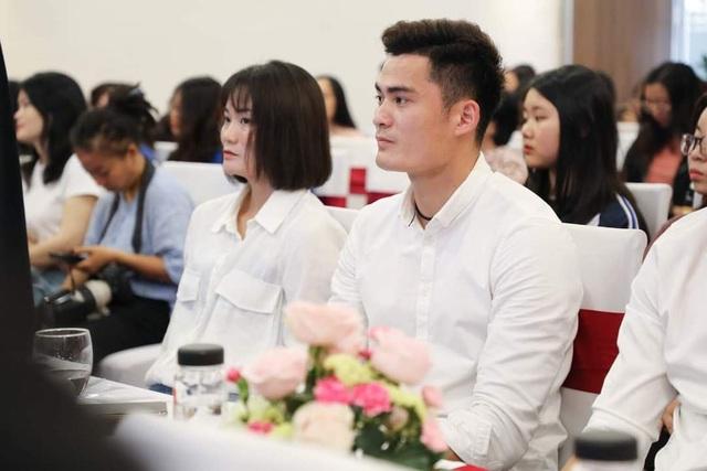 Cầu thủ Quang Hải nhận học bổng toàn phần tại trường đại học Kinh tế - 3