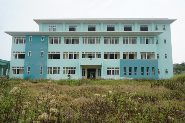 Cận cảnh bệnh viện bỏ hoang giữa khu đất vàng ven biển Đà Nẵng - 2