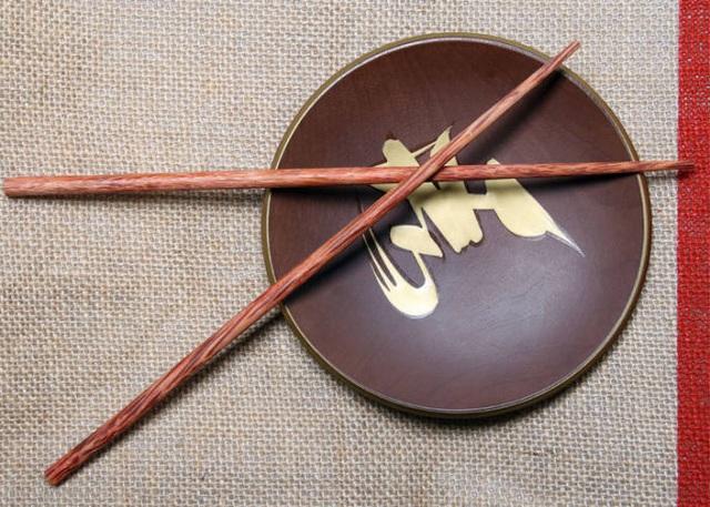 Những quy tắc trong văn hóa dùng đũa của người Nhật Bản - 5