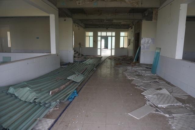 Cận cảnh bệnh viện bỏ hoang giữa khu đất vàng ven biển Đà Nẵng - 6