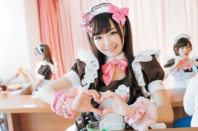 Cà phê hầu gái Nhật Bản - nơi bạn được phục vụ như những vị vua - 1