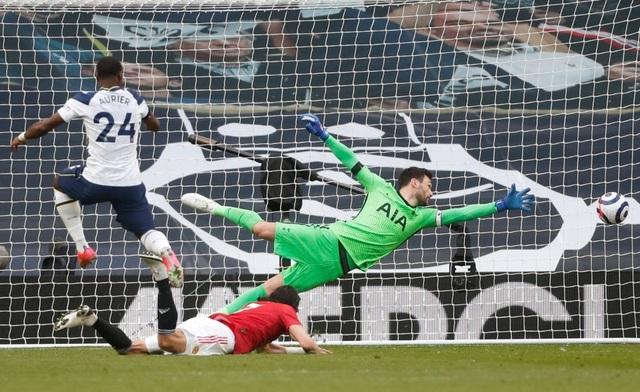 Tottenham 1-3 Man Utd: Màn lội ngược dòng phục hận tuyệt vời - 5