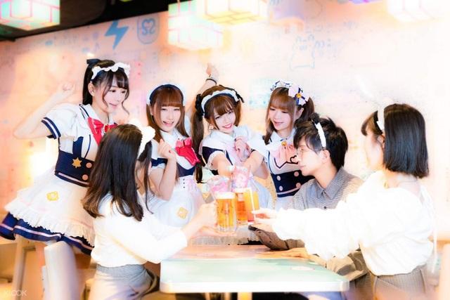 Cà phê hầu gái Nhật Bản - nơi bạn được phục vụ như những vị vua - 6