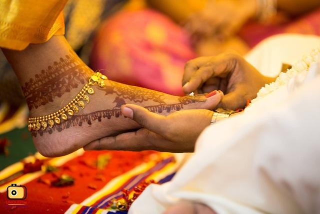 Cấm cười, nhổ nước bọt và loạt phong tục cưới hỏi độc dị khắp thế giới - 3