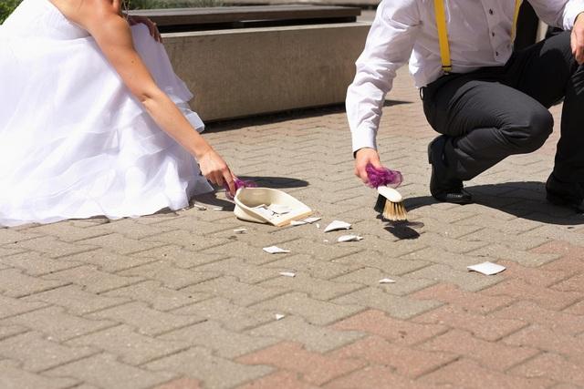 Cấm cười, nhổ nước bọt và loạt phong tục cưới hỏi độc dị khắp thế giới - 5