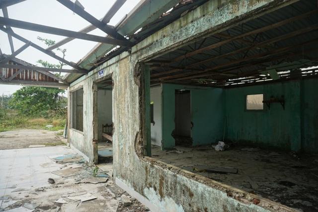 Cận cảnh bệnh viện bỏ hoang giữa khu đất vàng ven biển Đà Nẵng - 9
