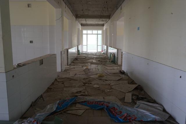 Cận cảnh bệnh viện bỏ hoang giữa khu đất vàng ven biển Đà Nẵng - 10