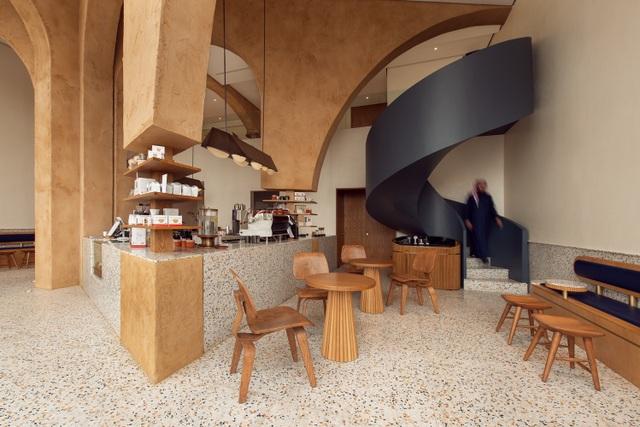 Quán cà phê như ngôi đền thu nhỏ, hút khách nhờ trải nghiệm tâm linh - 3