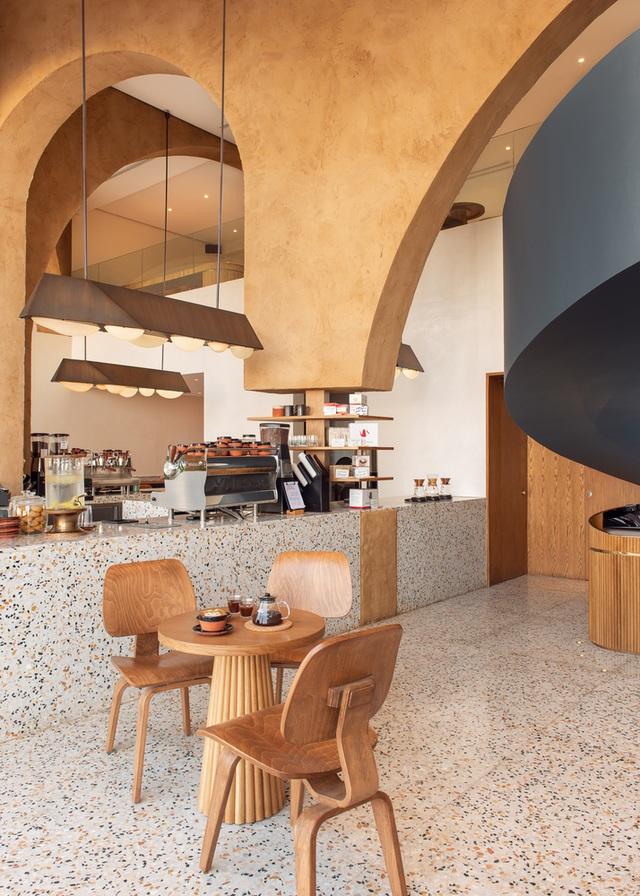 Quán cà phê như ngôi đền thu nhỏ, hút khách nhờ trải nghiệm tâm linh - 7