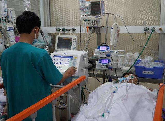 Bị đâm xuyên tim, thấu phổi nam thanh niên may mắn thoát chết - 2