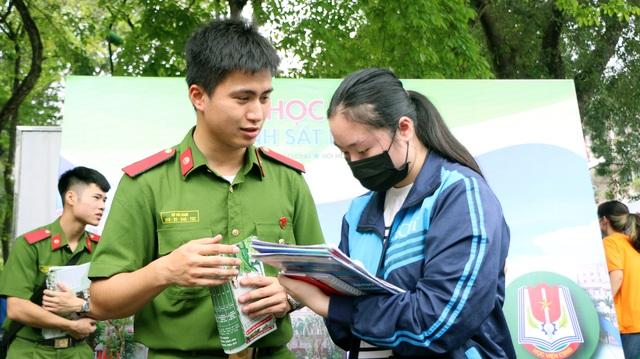 Lần đầu tiên Học viện Cảnh sát xét tuyển kết hợp theo chứng chỉ ngoại ngữ  - 1