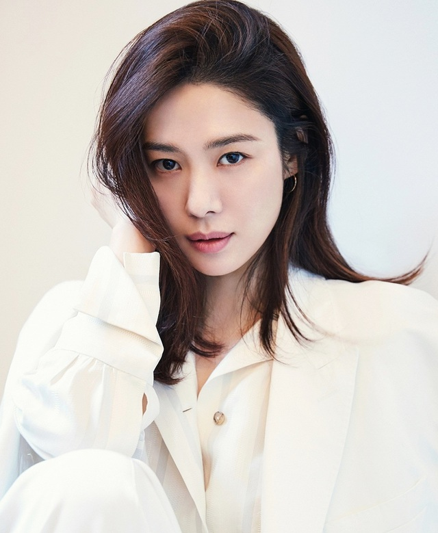 20 năm sau chuyện tình với So Ji Sub, mỹ nhân Giày thủy tinh vẫn cô đơn - 2
