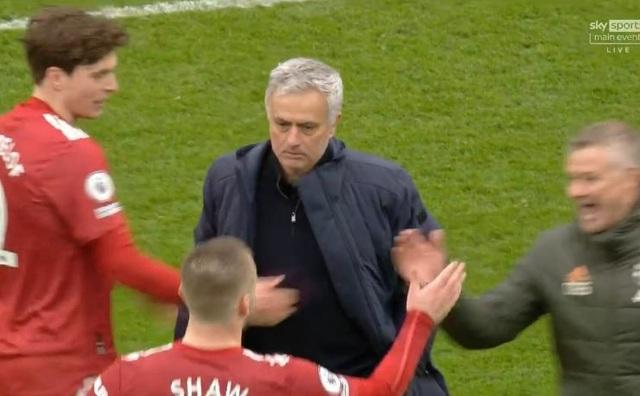 Mourinho thất bại trước Man Utd: Bi kịch ở đáy địa ngục - 1