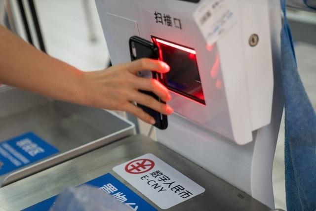 Mỹ lo tiền kỹ thuật số của Trung Quốc lật đổ vị thế đồng USD - 1