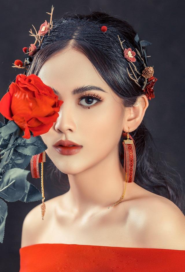 Nữ sinh 10x biết 2 ngoại ngữ, xinh đẹp như bông hồng lai Thái Lan - 5