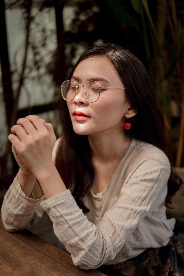 Nữ sinh 10x biết 2 ngoại ngữ, xinh đẹp như bông hồng lai Thái Lan - 6