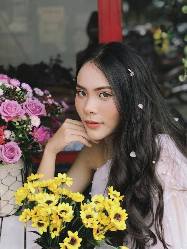Nữ sinh 10x biết 2 ngoại ngữ, xinh đẹp như bông hồng lai Thái Lan - 7