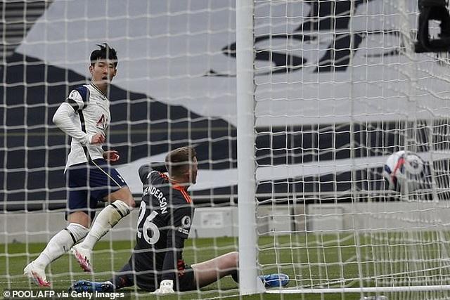 Ghi bàn mở tỷ số, Son Heung Min bật khóc khi Tottenham thua Man Utd - 1