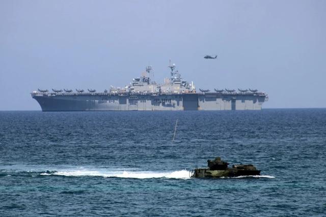 Mỹ, Philippines tập trận chung 2 tuần ở Biển Đông giữa lúc căng thẳng - 1