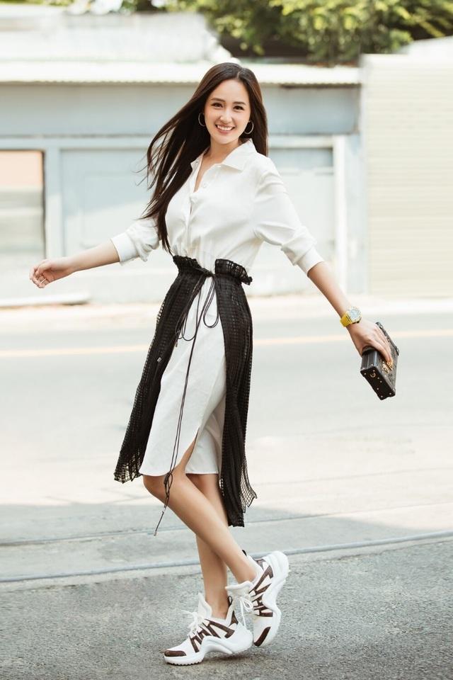 Tóc Tiên, Ngọc Trinh táo bạo với trang phục xẻ ngực - 5