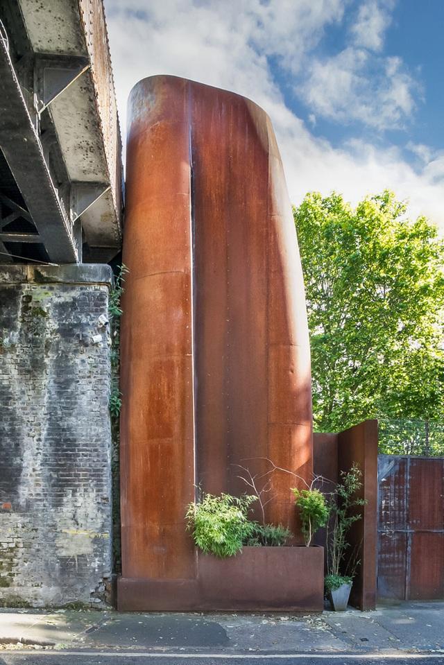 Nhà vòm độc đáo nằm ẩn mình bên cầu cạn từ thế kỷ 19 - 1