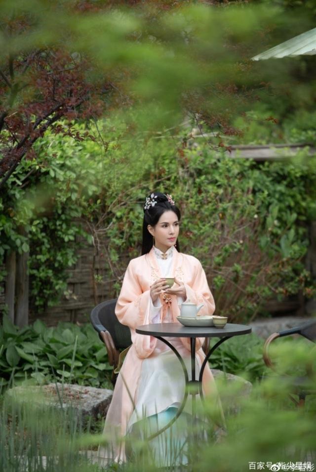 25 năm sống lại ký ức Tiểu Long Nữ: Cô Cô Lý Nhược Đồng vẫn... đẹp buồn - 1