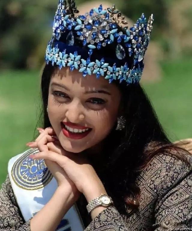 Hoa hậu đẹp nhất mọi thời đại giàu cỡ nào? - 1