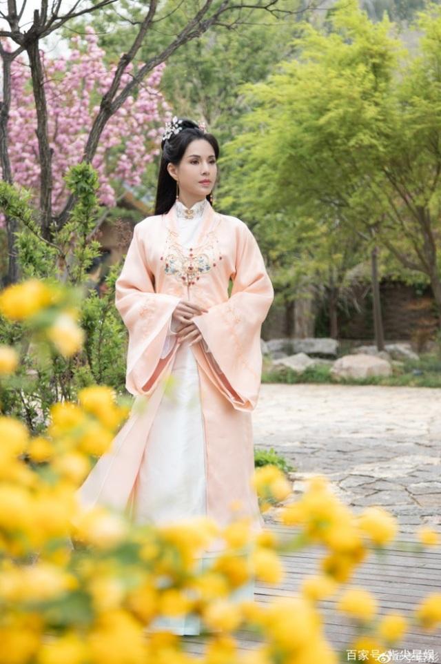 25 năm sống lại ký ức Tiểu Long Nữ: Cô Cô Lý Nhược Đồng vẫn... đẹp buồn - 3