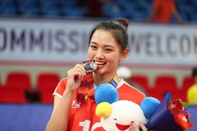 Báo Trung Quốc ấn tượng với vận động viên bóng chuyền xinh đẹp của Việt Nam - 13