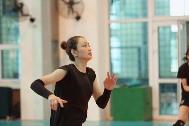Báo Trung Quốc ấn tượng với vận động viên bóng chuyền xinh đẹp của Việt Nam - 7