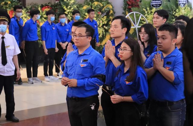 Hàng nghìn sinh viên, giảng viên tiễn biệt PGS.TS Lưu Văn An - 3