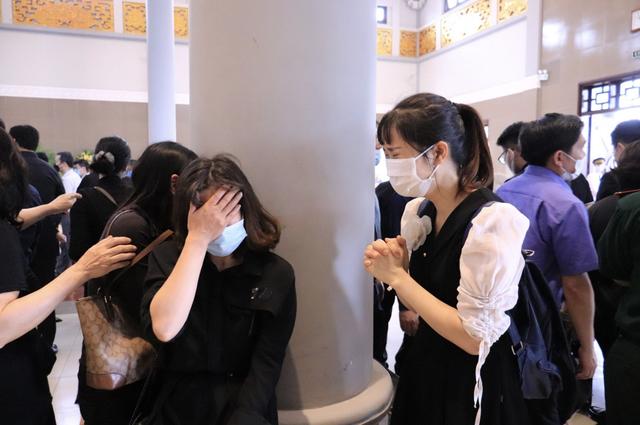 Hàng nghìn sinh viên, giảng viên tiễn biệt PGS.TS Lưu Văn An - 5