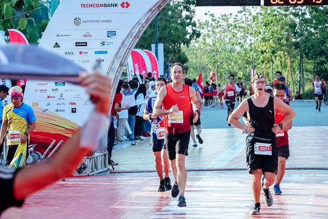 Masterise Homes tài trợ vàng giải Techcombank Marathon Quốc Tế TPHCM - 3