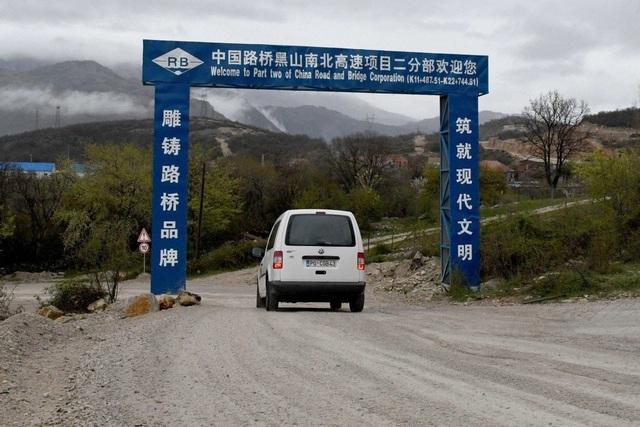 Nợ nần trầm trọng vì dự án với Trung Quốc, Montenegro cầu cứu EU - 1