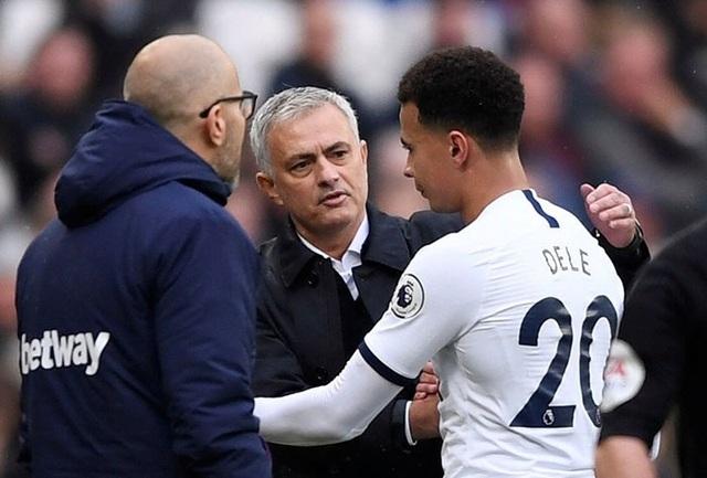 Ngôi sao Tottenham công khai làm phản HLV Mourinho? - 2