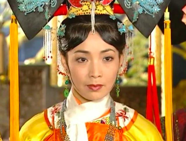 Dàn diễn viên đình đám của Hoàn châu cách cách sau 23 năm - 17